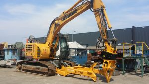 SAS EXTREME ELV auto processing attachment fited to Liebherr 924 Compact